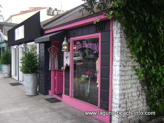 the black flamingo, womens clothing fashion boutique store, laguna beach shops