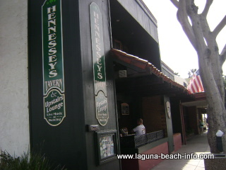 Hennessey's Tavern Bar, Food, Karaoke, Casual Dining, Laguna Beach Restaurants