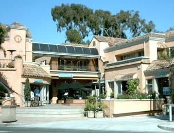 Sundried Tomato Cafe, Laguna Beach dog Friendly Restaurants - Laguna Beach Information, California