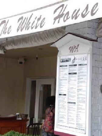 The White House Bar and Restaurant, with live music and local nightlife, Laguna Beach Club
